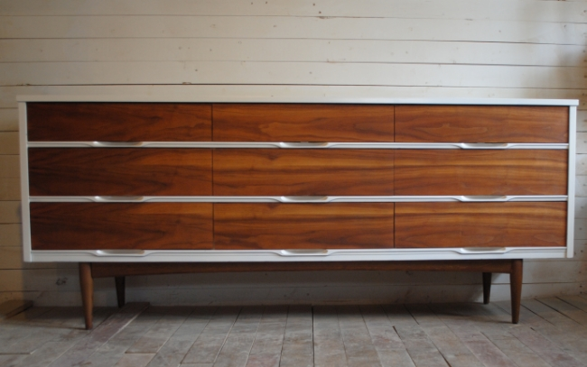 beautiful mid century modern nine drawer triple dresser credenza case is painted a high gloss white with walnut drawers dimensions are 72u2033w x 1825u2033d x