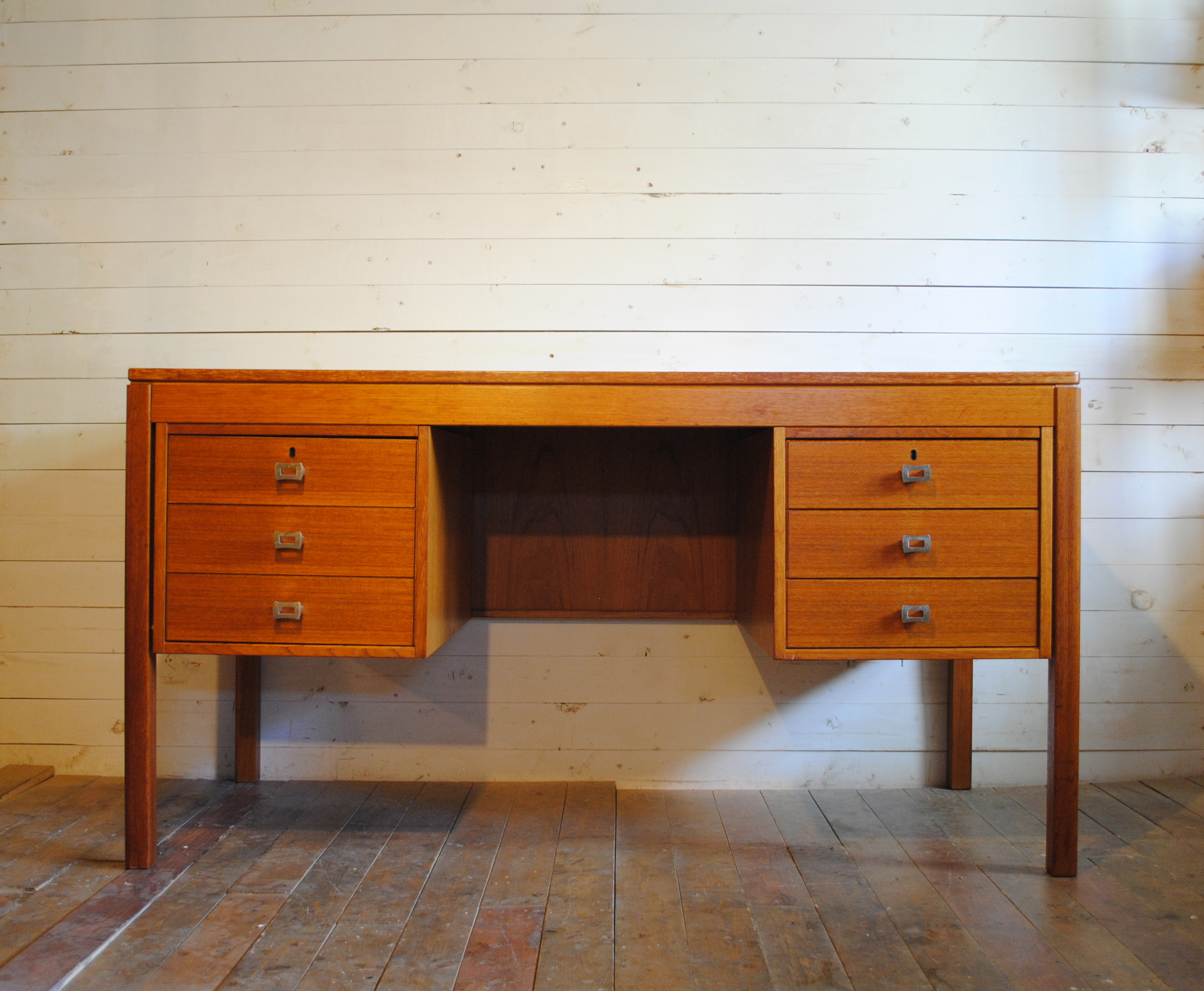 beautiful mid century danish modern teak desk dimensions are 55w x 2625d x 2925h please contact me with any questions beautiful mid century modern danish style teak
