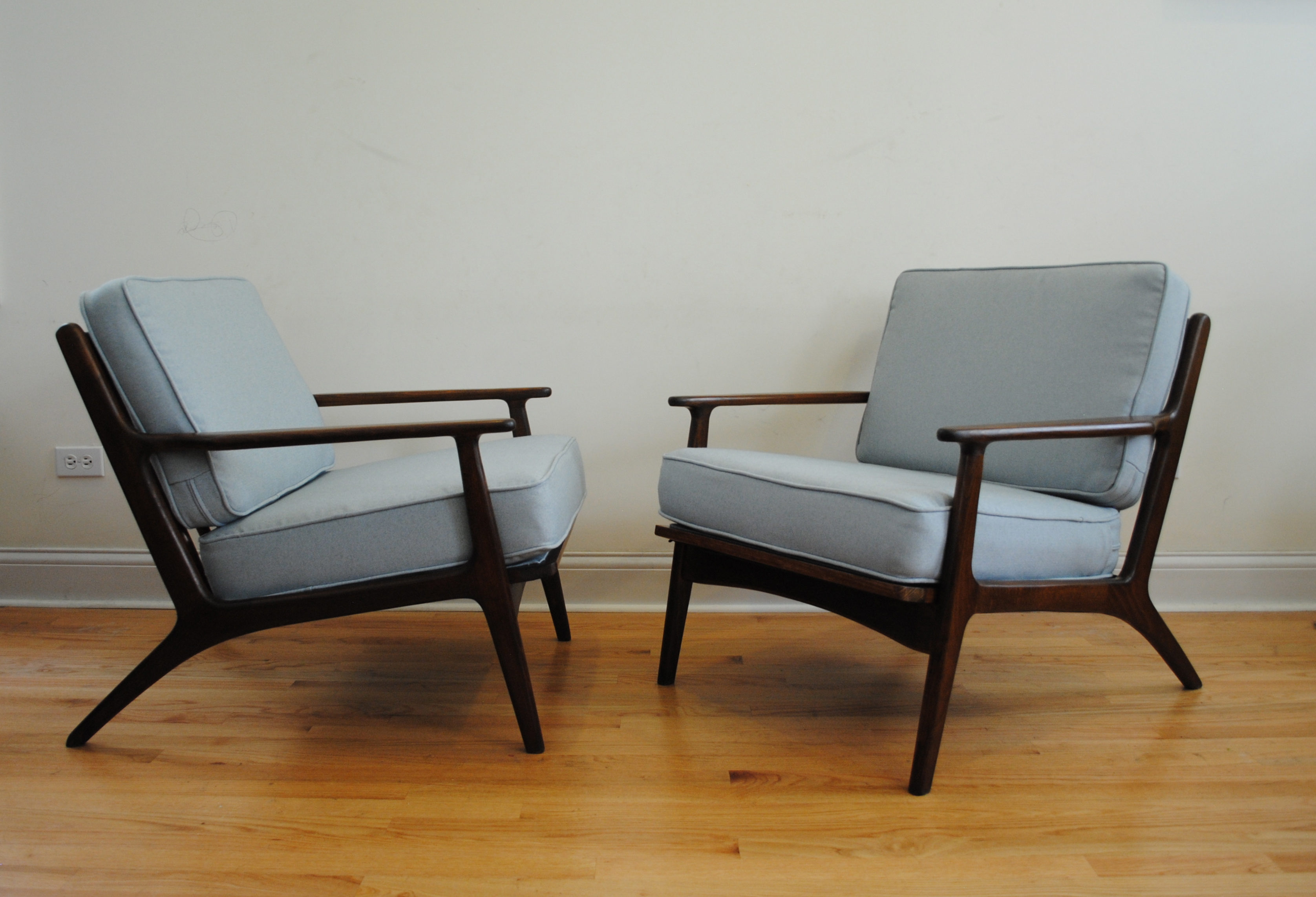 mid century modern lounge chairs phylum furniture