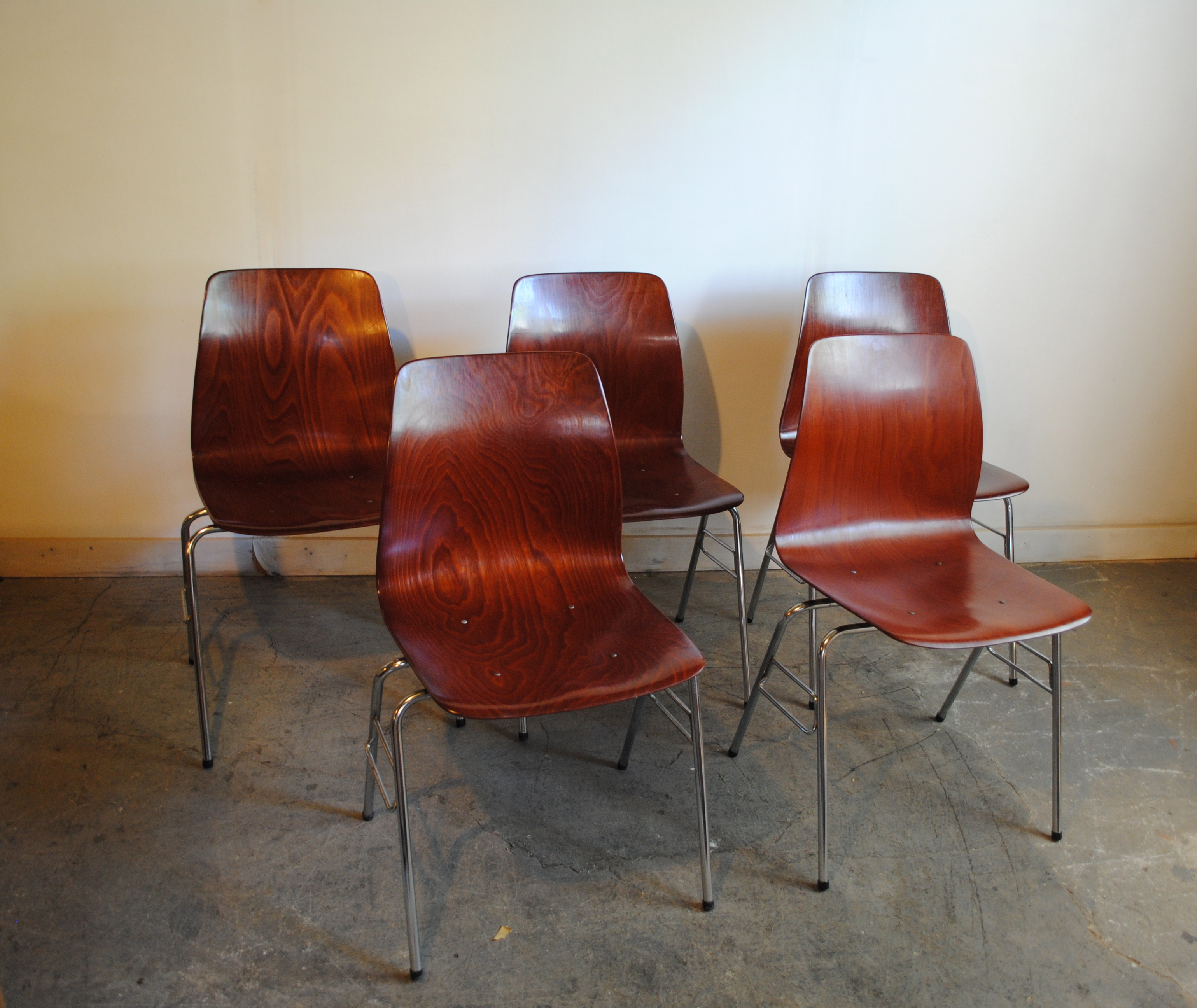 Charmant Set Of Five Vintage Mid Century Stacking Bentwood Chairs By Pagholz. Made  In West Germany. Please Contact Me With Any Questions.