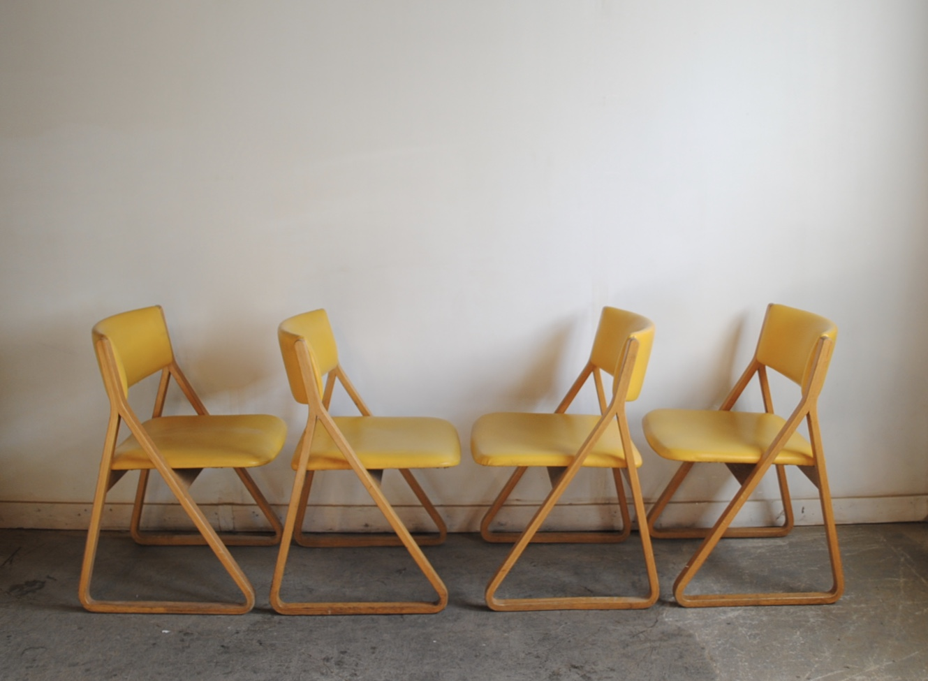 Set Of Four Vintage Stow Davis U201cTriangleu201d Chairs Designed By Robert  DeFuccio. Please Contact Me With Any Questions.